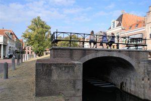 Edam was created by the construction of this dam. The dam is located in the center of the village